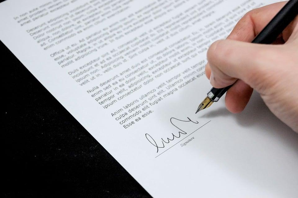 דגשים שיש לשים לב אליהם בעת חתימה על חוזה עבודה